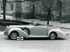 Zakázkový kabriolet Aero 50 zroku 1938 skaroserií Sodomka se zapuštěnou střechou