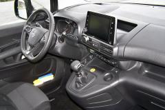 Opel – Pracoviště řidiče potěší přehledností, vše má řidič vdosahu