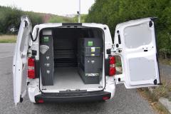 Peugeot Expert – Zadní křídlové dveře umožňují dobrý přístup do nákladového prostoru