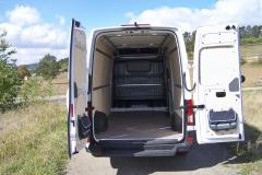VW Crafter – Objem nákladového prostoru je 14,4 m3, užitečná hmotnost 800 kg