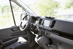 VW Crafter – Výborně řešená a dobře udržovatelná palubní deska má horizontální uspořádání