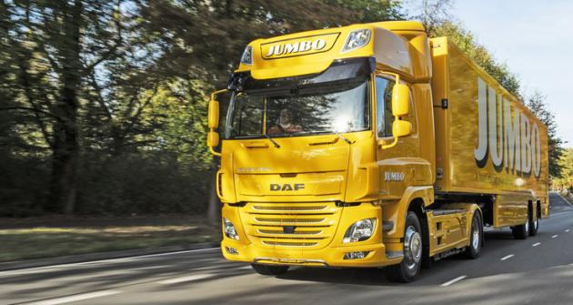 DAF Trucks předal svůj první truck sčistě elektrickým pohonem nizozemskému řetězci supermarketů Jumbo