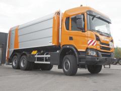 "Rotopres M-U-T na""offroadovém"" podvozku Scania G410 6x6."