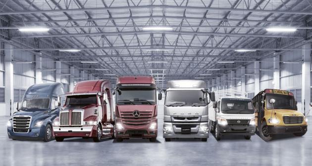 Daimler AG celosvětově vyrábí a dodává svým zákazníkům napůl milionu nákladních aužitkových vozidel ročně.