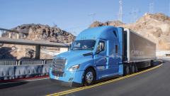 V roce 2019 uvede společnost Daimler Trucks na trh první částečně automatizovaný model Freightliner Cascadia.