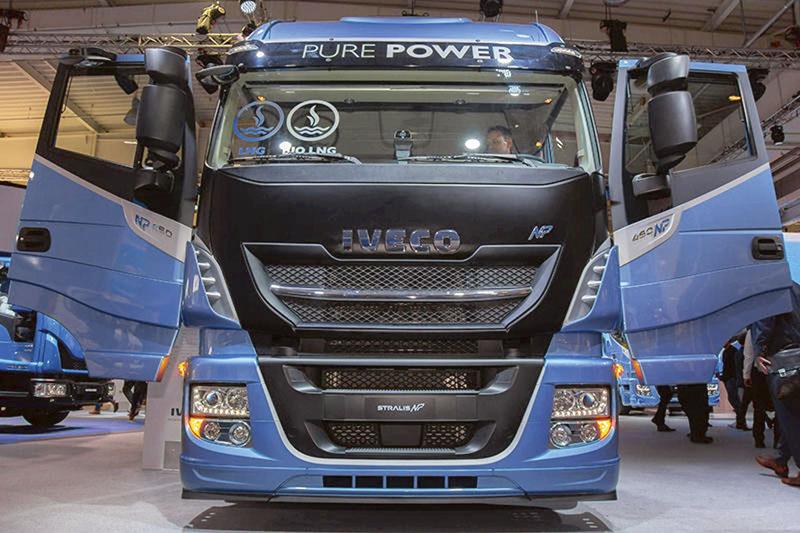 Stralis NP, první nákladní vůz nazemní plyn natrhu určený pro dálkovou přepravu.