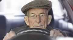 Řidiči starších ročníků jsou plnoprávnýmiúčastníky dopravního provozu. Abude jich stále víc, nakonec, iti znás, kteří budou mít to štěstí se jimi stanou také.