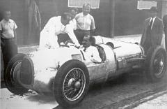 Závodní vůz Typ-22 neboli P-wagen vyprojektoval Ferdinand Porsche ajeho kancelář pro nově vzniklou společnost Auto-Union vletech 1933 a1934. Porsche zavolantem vozu Typ-22.