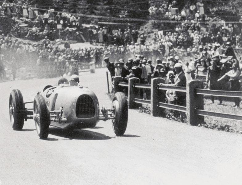 Auto Uniony odzačátku nenechaly nikoho napochybách, že Ferdinand Porsche je konstruktérský génius.