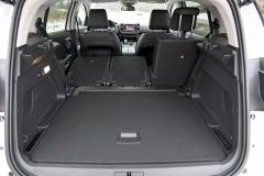 Zadní sedadla lze sklápět do roviny spodlahou zavazadlového prostoru