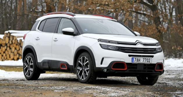C5 Aircross je největším osobním Citroënem současnosti. Na první pohled zaujme robustními proporcemi