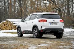 Oproti ostatním současným Citroënům působí C5 Aircross střízlivějším a důstojnějším dojmem. Typické ochranné prvky Airbumps ale nechybějí ani jemu