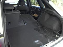 Zadní sedadla lze sklápět do roviny se zavazadlovým prostorem