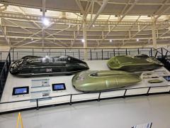 Rekordní vozy (zleva) MG EX135, EX181 a EX179, které v letech 1938 až 1959 ustavily mnoho rychlostních rekordů