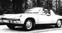 """Jiří Kuhnert v 914, """"lidovém Porsche"""", nejlevnějším, jaký kdy továrna vyrobila s využitím co nejvíce součástí z VW"""