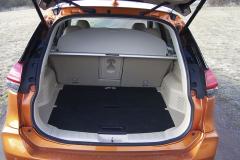 Nissan – Zavazadlový prostor vpětimístné verzi nabídne vzákladu objem 560 litrů