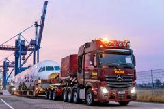 Tahač těžkých nákladů Actros 4163 SLT