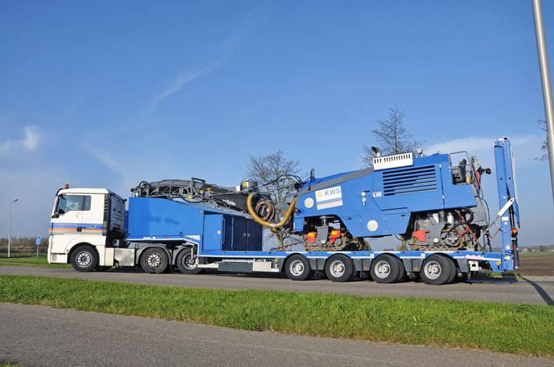 Návěs OSDS ve specikaci pro převoz strojů na úpravu silnic