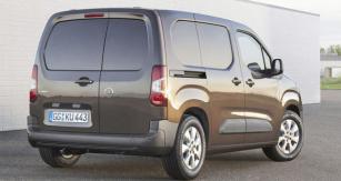 Nová kompaktní dodávka Opel Van překonává většinu svých konkurentů objemem nákladového prostoru až 4,4 m3, užitečným zatížením až 1000kg amaximální přepravní délkou až 3440mm.