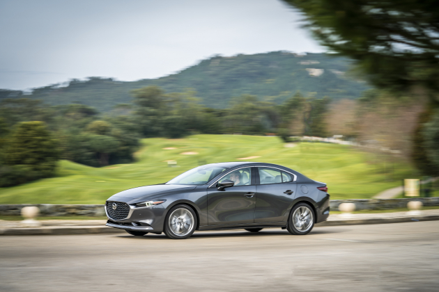 mazda3-sdn-machinegrey-action-19 127880