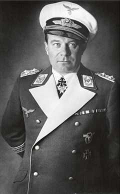 Stuckův přítel, vté době plukovník Luftwaffe ašéf Technické sekce Říšského ministerstva letectví, vynikající stíhací pilot zVelké války s62 uznanými sestřely (druhý poslavném Richthofenovi) Ernst Udet mu přislíbil zapůjčení hned dvou leteckých motorů Daimler-Benz DB 601.