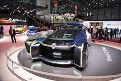 Představa Renaultu o luxusním autonomním dopravním prostředku (EZ-Ultimo)