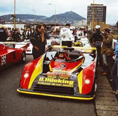Norbert Przybilla, vítěz prvního ročníku 1979, se svým třílitrem TOJ SC306 v Mostě o rok později