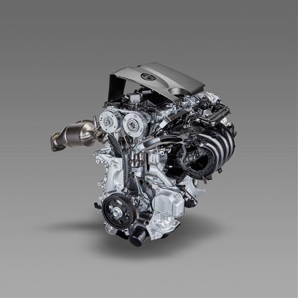 Zážehový dvoulitrový čtyřválec v kombinaci s elektromotorem hybridního systému nabízí nejvyšší výkon 132 kW (180 k) a je k dispozici v karoseriích hatchback a kombi
