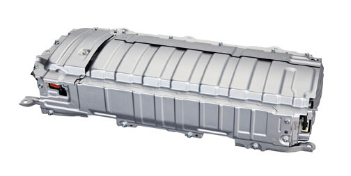 Akumulátor Ni-Mh je v nové generaci opět menší, lehčí aefektivnější. Pro použití v hybridních vozech (na rozdíl od plug-in hybridních) je technologie Ni-Mh akumulátorů celkově výhodnějším řešením