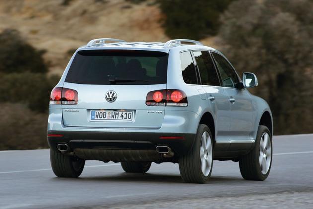 První generace Touaregu se začala vyrábět vroce 2002 avroce 2006 prošla celkovou modernizací