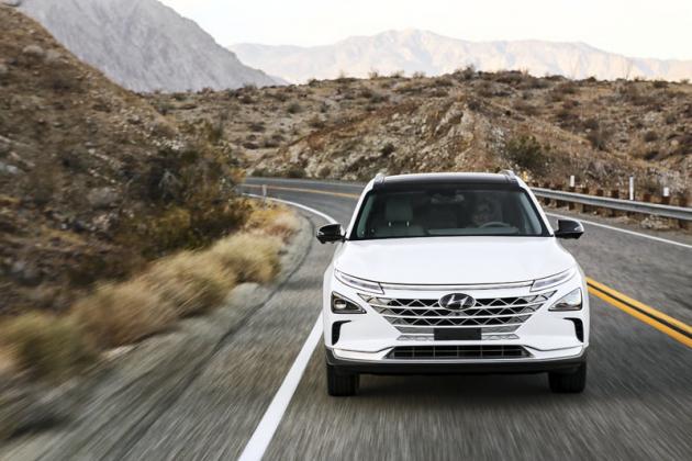Vodíkový Hyundai NEXO přijíždí aukazuje, že Hyundai je světovým lídrem voblasti vývoje a výroby automobilů budoucnosti