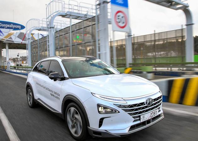Vodíkové vozy Hyundai NEXO dojely zcela bez zásahu řidiče zeSoulu do 190kilometrů vzdáleného Pchjongčchangu