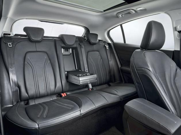 Nový Ford Focus exceluje také voblasti komfortu anabídky prostoru na zadních sedadlech