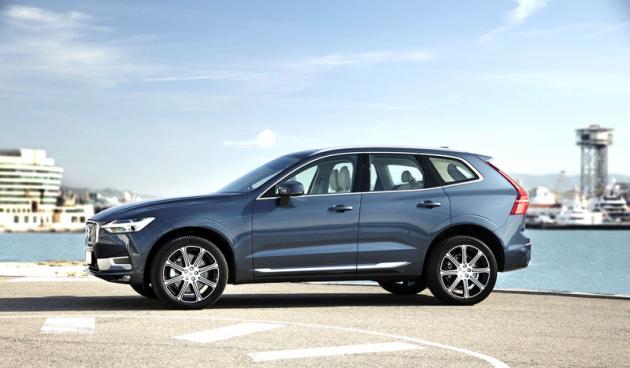 Volvo XC60 zaujmezásluhou kompaktních rozměrů i řidiče, kteří si s chutí užívají jízdu samotnou