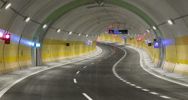 waze v tunelu