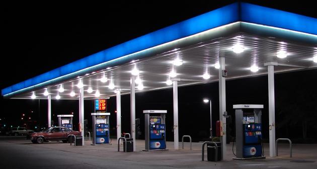 Nafta a benzín