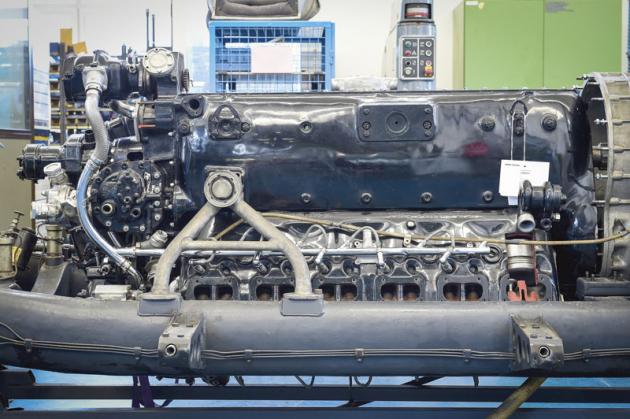 Usazení DB 603 vřezu dooriginálního šasi si vyžádalo jisté konstrukční kompromisy, neboť připojovací rozměry motoru byly od původního prototypu DB 603 V3 rozdílné. u