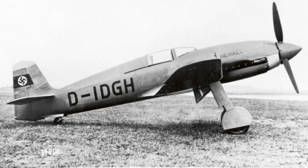 Dne 30. 3. 1939 dosáhl zkušební pilot firmy Ernst Heinkel Flugzeugwerke GmbH Hans Dieterle sletounem Heinkel He 100 (osmý prototyp, V8) vybaveným motorem DB 601 ARJ omaximálním výkonu 1985 kW/2700 knového rychlostního leteckého rekordu 746,606 km/h.