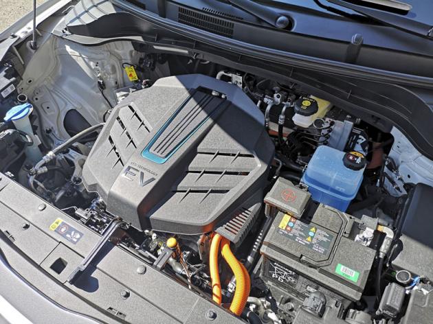 Kompaktní poháněcí ústrojí dává vozu znamenité jízdní výkony
