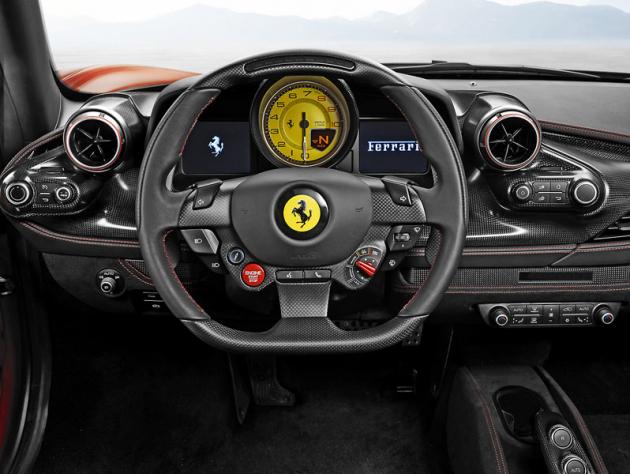 Od modelu 458 Italia neustále zdokonalovaný koncept ovládání smnoha ovladači koncentrovanými na volantu
