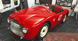 Ferruccio Lamborghini závodil jedinkrát v životě. S přítelem Gianluigim Baglionim z nedalekého města Ferrara se řítili rychlostí až 140 km/h po trati Mille Miglia 1948 ve vlastním speciálu Fiat Barchetta Sport. Odpadli pro poruchu