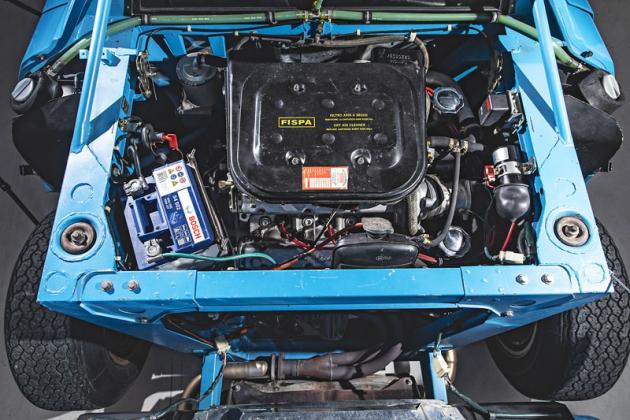 Šestiválec 2,4 litru je uložen napříč avsériové verzi dosahuje výkonu 190 k