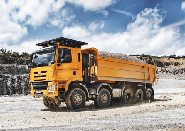 Tatra T 158 10x10 skorbou S1 o objemu 23,5 m3