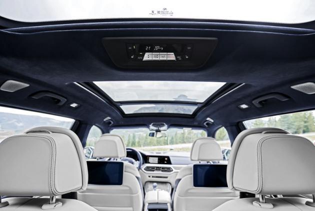 Špičkový komfort je na všech sedadlech BMW X7