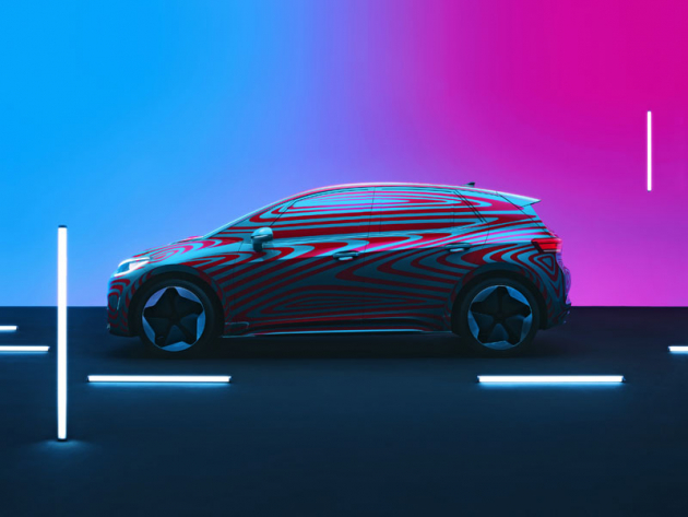 Zamaskovaný vůz již měl sériové kliky a zpětná zrcátka. Volkswagen už vyrobil první předsériové kusy