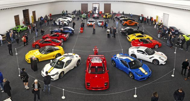 V pavilonu rychlosti bylo připraveno 11 vozů Ferrari, ale také dvojice Fordů GT a dalších sportovních asupersportovních vozů