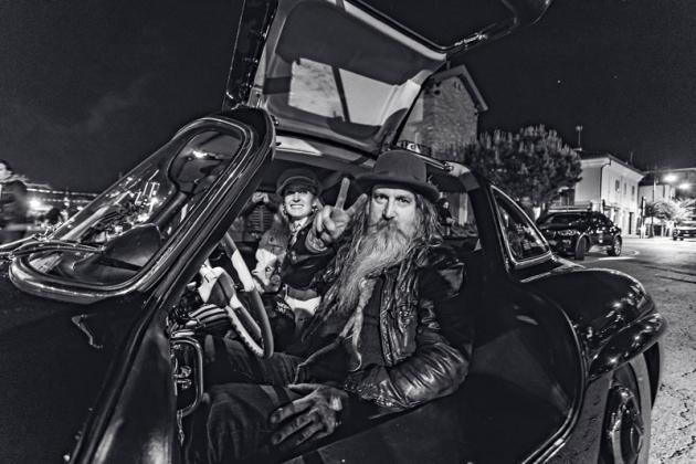 Jedna z celebrit: známý módní návrhář a sběratel vozů Magnus Walker