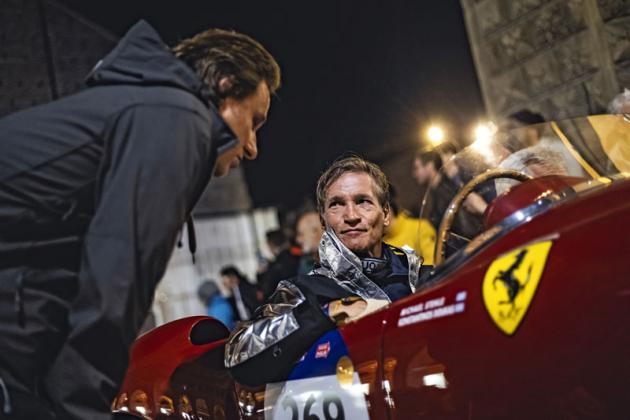 Michael Stehle vzal na letošní MM čerstvě zrenovované Ferrari 375 Pinin Farina z roku 1953. Úchvatný vůz pohání dvanáctiválec o objemu 4,5 litru a výkonu přes 350 koní