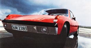 V době, kdy ještě měli lidé zájem o sportovní vozy, jim vyšly vstříc Porsche s Volkswagenem společným projektem 914 (na snímku šestiválec 914/6)