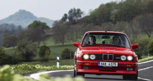BMW M3 E30 zroku 1989 naší posádky patřilo knejmladším vozům letošního ročníku. I proto jsme měli startovací číslo 63